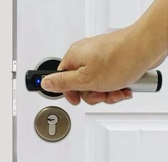 deurkruk met vingerscan-biometrisch-slot-domotica-dlocks-slimme-sloten-slot-smartlock